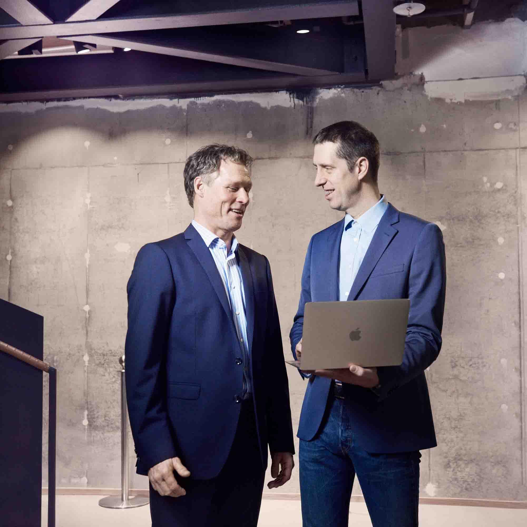Bild på företagare med en Mac
